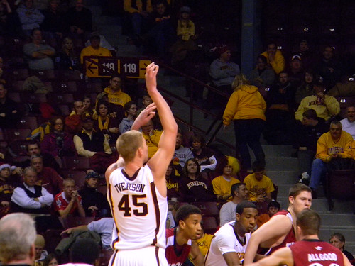 Colton Iverson at the free throw line