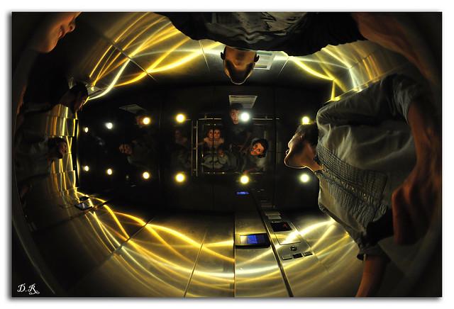 El ascensor psicodélico.....