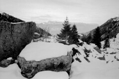 Montagne (boklm) Tags: blackandwhite bw snow mountains alps film montagne alpes landscape blackwhite fuji noiretblanc nb neopan 100 noirblanc belledonne neopanss fujineopanss belledonne200911