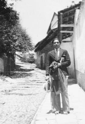 1936.04 José María Serralde Reyes posando