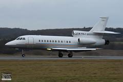 M-FALC - 31 - Private - Dassault Falcon 900EX - Luton - 110110 - Steven Gray - IMG_7744