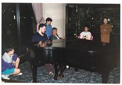 Tocando el piano en Buffalo, USA, en septiembre de 1990