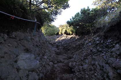 利尻岳登山道の浸食