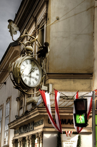 Strange clock. Vienna. Reloj extraño. Viena
