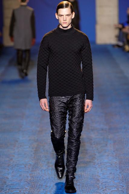 FW11_Milan_Versace012_Johannes Niermann(VOGUEcom)