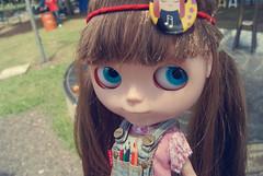 Lanuxa (Bruna Lacrout ☆) Tags: pink blue green lana yellow bigeyes carved doll blueeyes portoalegre blythe brunette bangs custom lápisdecor rbl usinadogasômetro urbancowgirl takaratomy sonya230 duckymounth cuthaor ttyjeans