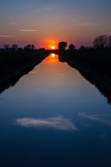 Tramonto sulla codogna (FiPremo) Tags: italy europa europe tramonto sole acqua lombardia fosso castiglione dadda codogna