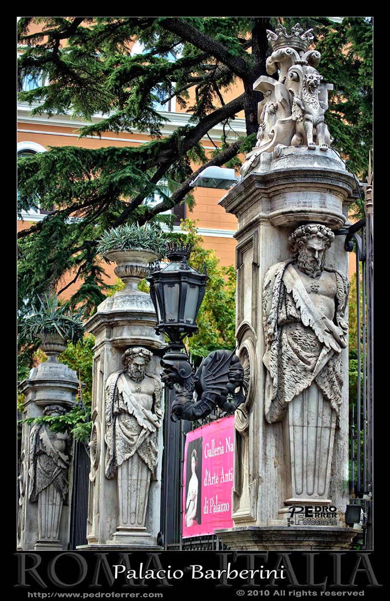 Roma - Entrada al Palacio Barberini