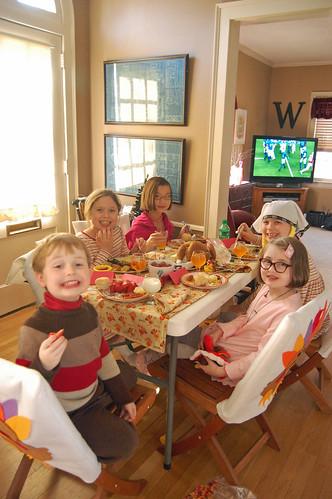 Thanksgiving Kids Table 06