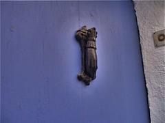 Picaporte en puerta azul (wsrmatre) Tags: door blue urban azul puerta ericlpezcontini ericlopezcontini ericlopezcontinifoto ericlopezcontiniphoto ericlopezcontiniphotography wsrmatrephotography wsrmatre