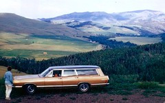 1968 Mercury Commuter (DVS1mn) Tags: two cars car station wagon gold monterey estate mercury commuter 1968 slides eight tone sixty nineteen stationwagon 68 fomoco estatewagon estatecar 4door shootingbrake fordmotorcompany longroof lincolnmercurydivision nineteensixtyeight
