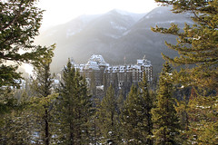The Banff Springs Hotel (zeesstof) Tags: trees snow canada mountains hotel resort alberta banff spa conifers banffspringshotel canadianpacificrailway thermalsprings bruceprice canoneos7d williamcorneliusvanhorne canon18135is zeesstof fairmontbanffspings 6june1988