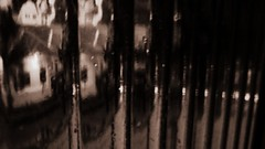 a percepo dos velhos dias, (Monica Ribeiro ok) Tags: rain sepia widescreen chuva gotas janela lonelyday