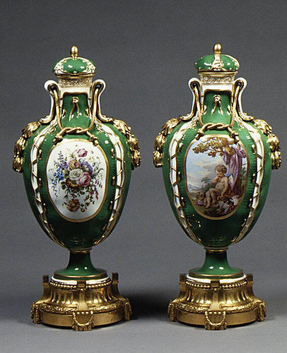 010-Jarrones- Porcelana de Sevres 1765–70-© 2000–2010 The Metropolitan Museum of Art
