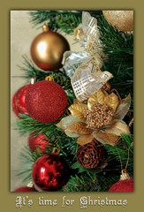 It's time for Christmas (in eva vae) Tags: decorations red tree green texture canon gold eva framed christmasballs feliznatal wishes fir layer merrychristmas abete natale greeting bows textured auguri christmascard oro decorazioni feliznav