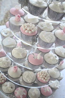 Winter wonderland wedding cupcakes by Cotton and Crumbs