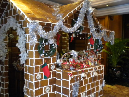 The Ritz-Carlton - Gingerbread House 2