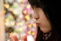 [フリー画像] 人物, 女性, アジア女性, 横顔, ハート, 201012141500