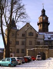 (:Linda:) Tags: street winter snow tree castle clock car architecture germany town bare thuringia clocktower weathervane baretree zeit uhr schiefer wetterfahne schleusingen slateshingle slateshingled schlossbertholdsburg schiefergedeckt schneeaufstrasen nackterbaum