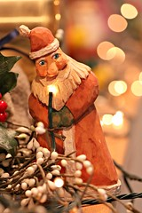 Remembering Dad - Merry Christmas (Don3rdSE) Tags: santa christmas macro art love home closeup canon eos lights holidays dad bokeh folk father memories iowa ia figure fatherchristmas santaclaus figurine merrychristmas woodcarving remembering 50d canon50d december2010 don3rdse
