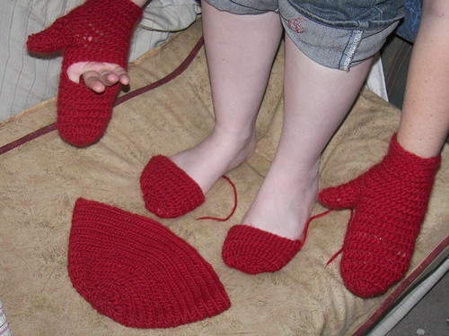 Red Yarn Set