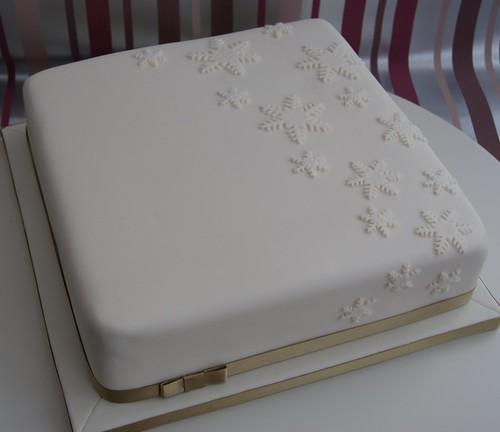 Falling Snowflakes Christmas Cake