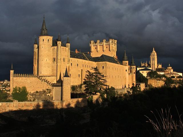 10 castillos que parecen de cuento en España 5301054849_7bf3999735_z