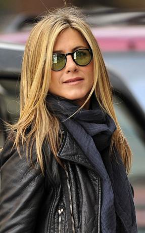 Jennifer Aniston Olive Peoples fashion sunglasses