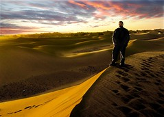 SUNRISE IN MERZOUGA (photojordi) Tags: 2003 selfportrait digital sunrise canon de dessert aperture 5 dunes autoretrato iso ixus morocco ev 400 desierto 100 mm velocidad lente marruecos f71 74 diciembre dunas merzouga exposicin in tendencia 004sec1250 photojordi mygearandme mygearandmepremium mygearandmebronze exposicin0