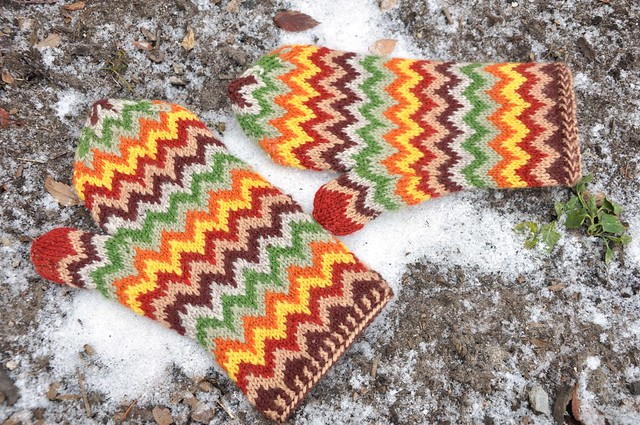 Chevron Love Mittens done