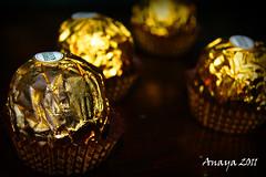 Chocolates. (Anayaphotography2.0) Tags: portrait macro art mexico candy chocolate retrato dorado oro dulces ferreroroche abtracto sonya290