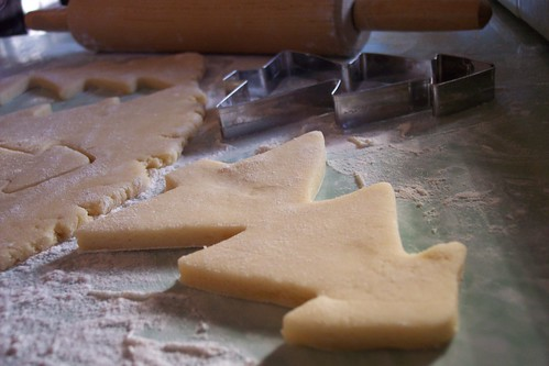 sugar cookies: cutting