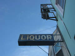 liquor (San Bruno Avenue and Woolsey Street) (throgers) Tags: sanfrancisco california sign neon liquor fireescape guesswheresf foundinsf sanbruno woolsey portola gwsf gwsflexicon