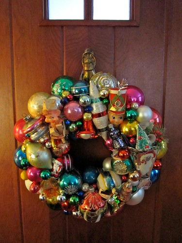 Vintage Christmas Ornament Wreath A Retro Holiday Treat
