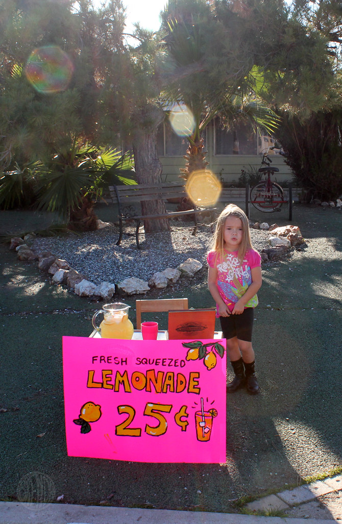 Fresh Squeezed Lemonade 25 cents