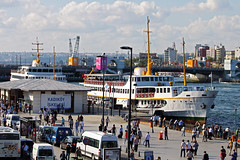 Kadiky, Istanbul (by_irma) Tags: bridge ferry hoorn turkey boot pier istanbul brug gouden turkije schip bosporus steiger rondvaartboot kadiky iskelesi galatabrug kadikyiskelesi bosporustour