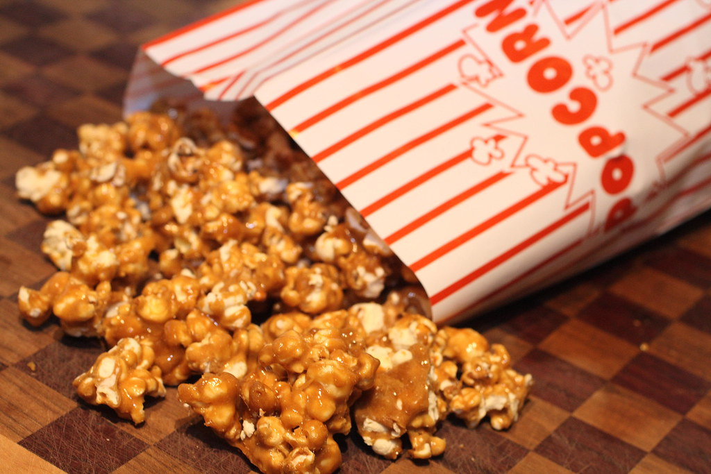 5226692560 1441a3d1b3 b d Old Fashioned Caramel Corn