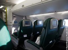 Gulf Air Embraer E190 (Rami Khanna-Prade) Tags: bahrain airport aeroport onboard gf bah embraer gulfair buisnessclass e190 abord classeaffaires obbi a9cmd auhbah