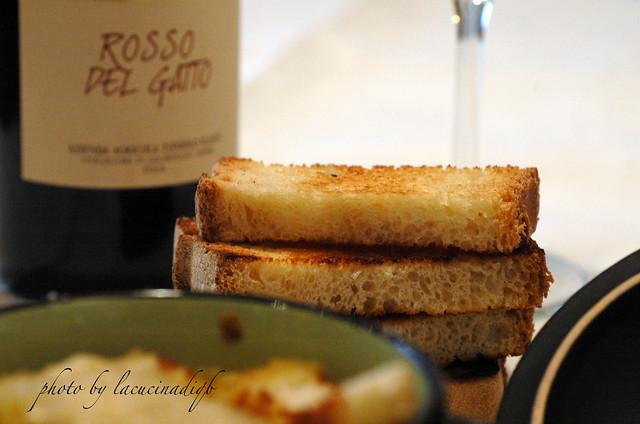 "Zuppa di cipolle ""affumicata"" e gratinata"
