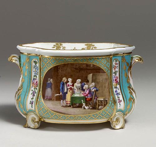 009-Cubeta florero-Porcelana de Sevres 1760-Decorador Charles-Nicholas Dodin-© 2000–2010 The Metropolitan Museum of Art
