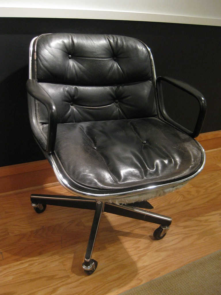 Original Herman Miller office swivel chair (negotiable)