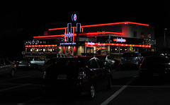the 50s are alive and well (Park Doc) Tags: diner night shot photo nikon d90 tokina m35 pro 35mm f28 atx macro manualexposure spotmeter handheld rockville md maryland suburban neon lights lowkey colors