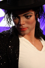 Michael-Jackson-Madame-Tussauds-Hollywood-2010 (Shavar Ross) Tags: california people music celebrity face movie photo losangeles famous picture dancer replica figurines hollywood singer actress michaeljackson celebrities hollywoodblvd kingofpop madametussauds lookalike waxfigure billiejean moviestars waxfigures canon50d