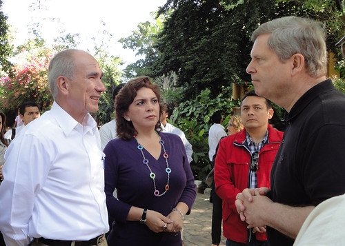 Agriculture Secretary Tom Vilsack (right) met with Mexican Agricultural Secretary Francisco Mayorga (left) in Merida, Mexico to discuss agriculture and trade. The two agricultural leaders engaged in a very productive dialogue on a wide range of issues important to both the United States and Mexico on Thursday, December 9, 2010.