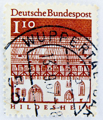 stamp Germany 1.10 DM 110 pf. postage Hildesheim Deutschland Briefmarken timbre allemagne selo alemanha 110 Pfennig (stampolina) Tags: red rot postes germany deutschland rojo stamps stamp vermelho porto timbre rood rosso postage franco vermilion merah selo marka  brd sellos piros  punainen  rouges czerwony pulu krmz briefmarke francobollo timbres timbreposte bollo frg   timbresposte rdea erven     mu  postapulu jyu  yupiouzhu