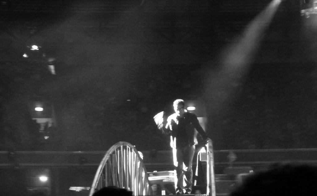 Bono spotlight