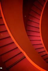2010-12-19  18-25-57 (Tangi22293556) Tags: red paris geometric lines architecture stairs rouge graphic curves lignes escaliers palaisdechaillot graphique courbes gomtrique architecturemoderne citdelarchitecture