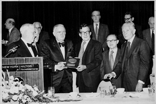 awards ceremonies laborleaders publicfigures jewishamericans cornelluniversitylibrary unionofficers kheelcenterforlabormanagementdocumentationandarchives KheelCenter:photoResolution=7dpi KheelCenter:photoId=5780pb15f7a KheelCenter:photoFileOriginal=5780pb15f7ajpg