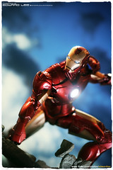Iron Man smash (EdwardLee's collection) Tags: 2 man movie toy toys actionfigure iron comic action mark 4 ironman diamond collection figure marvel select markiv edwardlees