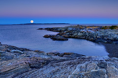 Live in the Present, Victoria, British Columbia (Ireena Eleonora Worthy) Tags: ocean sunset sky canada waves bc purple britishcolumbia victoria fullmoon vancouverisland moonrise bluehour cattlepoint mygearandme mygearandmepremium mygearandmebronze mygearandmesilver northernstraitsphotography